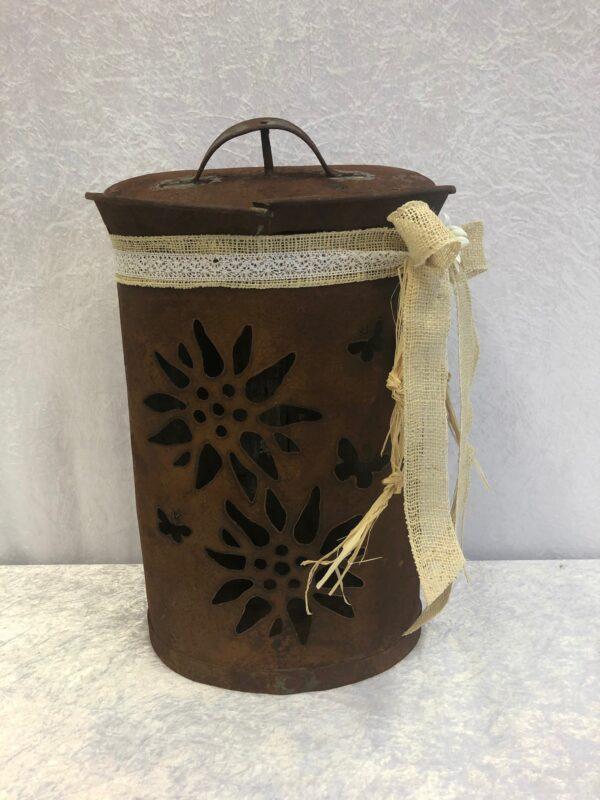 Milk cans lanterns- Schweizer Handwerkskunst